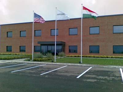iroda épület elé zászlónyél